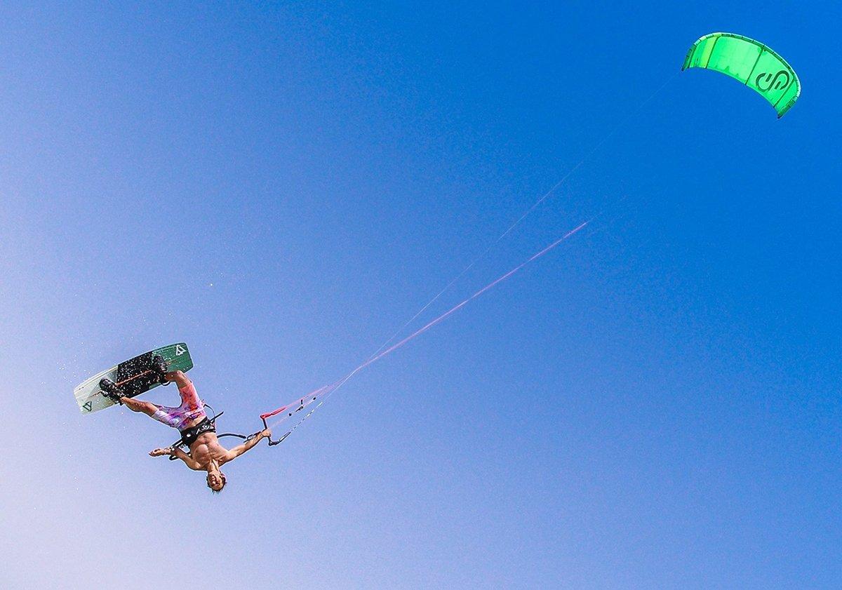 Kitesurf salto
